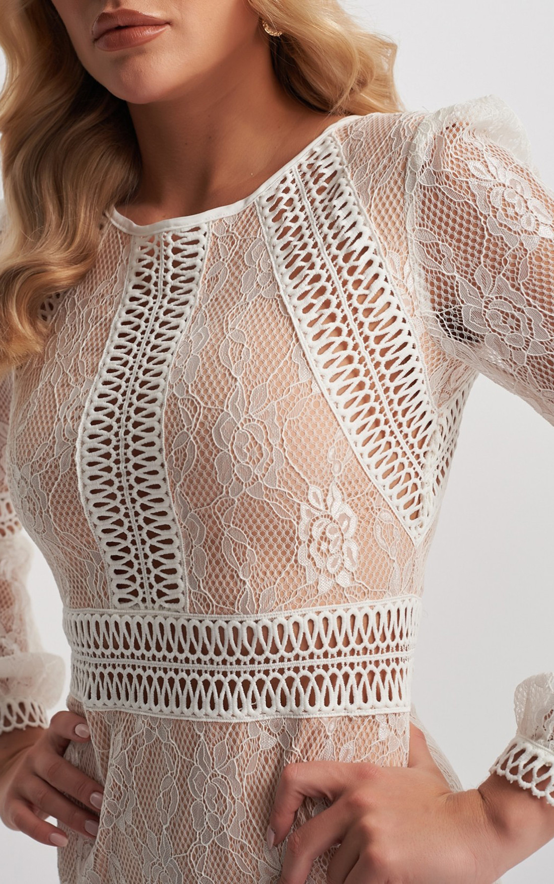 Forever Unique - Teri Ivory Long Sleeve Lace Dress (MN201152)